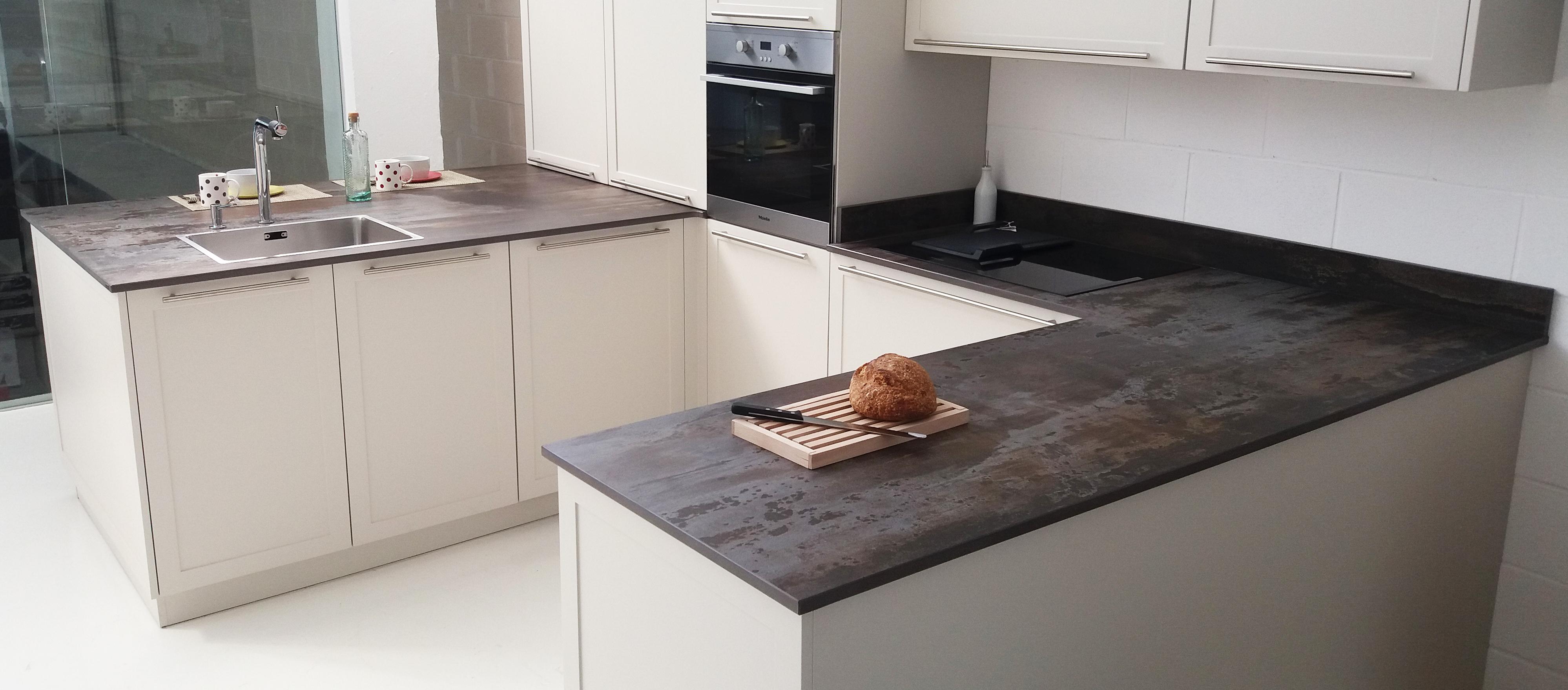Encimeras de cocina y ba o m rmoles aztiria for Encimera de marmol precio